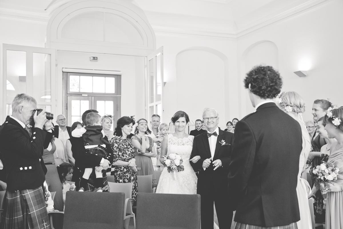 Deutsch_Schottische_Hochzeit_Dresden_Hochzeitsfotograf_Therese-Malten-Villa-17
